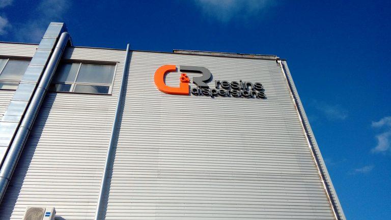 G&R Litery bryłowe logo reklama na budynku Włocławek